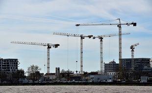 De nouveaux bâtiments en hauteur sont sortis de terre en bord de Garonne.