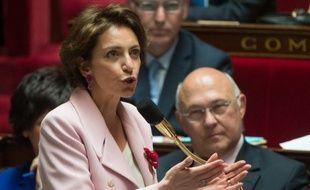 """La ministre des Affaires sociales Marisol Touraine a estimé lundi que """"la faute"""" de Jérôme Cahuzac """"a porté très fort"""" dans le résultat de la législative partielle du Lot-et-Garonne, où le candidat du PS a été éliminé dès le premier tour."""