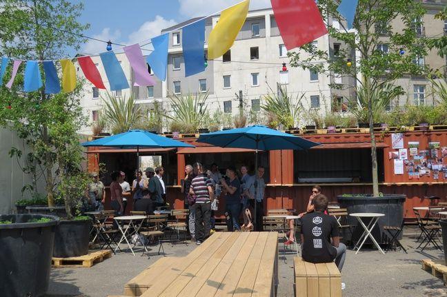 La guinguette éphémère 40 Pieds, quai de la Fosse à Nantes.