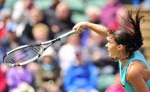 Marion Bartoli a perdu son titre à Eastbourne où elle a été éliminée vendredi en demi-finale par l'Autrichienne Tamira Paszek en trois sets 4-6, 7-5, 6-4.