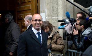 """Le numéro deux du Parti socialiste, Harlem Désir, a confirmé qu'il était candidat à la succession de Martine Aubry à la tête du PS lors du congrès qui se tiendra """"probablement"""" en """"octobre"""", a-t-il dit dimanche."""