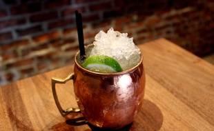 Le Moscow Mule est généralement servi dans une tasse en cuivre.