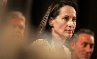 """Ségolène Royal a réaffirmé mardi, après que Bertrand Delanoë eut défendu """"le libéralisme"""", que les socialistes ne devaient pas """"aller piocher à la droite son idéologie et son vocabulaire""""."""