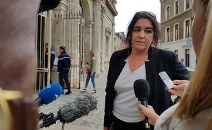 Béatrice Huret est jugée pour avoir aidé au passage d'un réfugié en Grande-Bretagne.