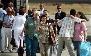 Les infirmières et le médecin bulgares heureux mais traumatisés et épuisés, tentaient mercredi de renouer les fils de leur vie après leur libération, la veille, de plus de huit ans de détention en Libye.