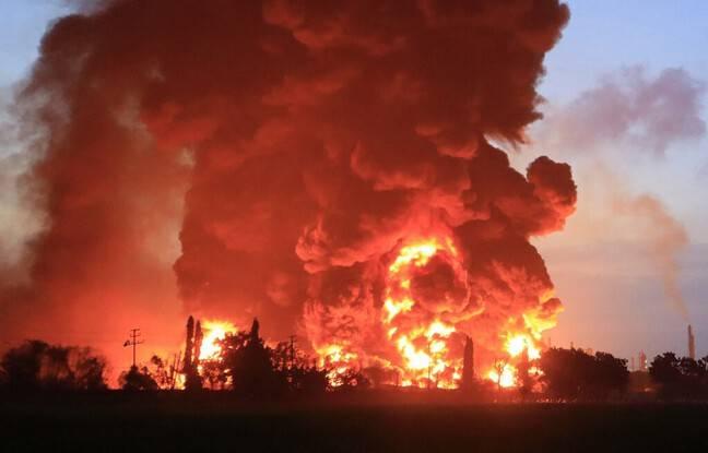 648x415 incendie massif devore usine balongan indramayu 29 mars 2021