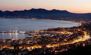 Une vue sur la Croisette de Cannes, le 30 juillet 2013