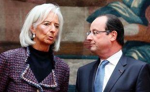 """La directrice générale du Fonds monétaire international (FMI) Christine Lagarde a estimé vendredi que la croissance mondiale progressait à un rythme """"un peu trop modéré"""" pour créer les emplois espérés à travers le monde, à l'issue d'une réunion à l'Elysée avec François Hollande."""