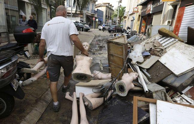 Un homme au milieu des décombres à Cannes