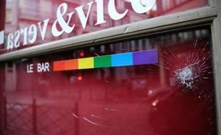 Le tribunal correctionnel de Lille a condamné mercredi trois hommes à six mois de prison avec sursis pour avoir frappé en avril trois employés du Vice & Versa, un bar homosexuel de Lille, en plein débat sur le mariage pour tous.