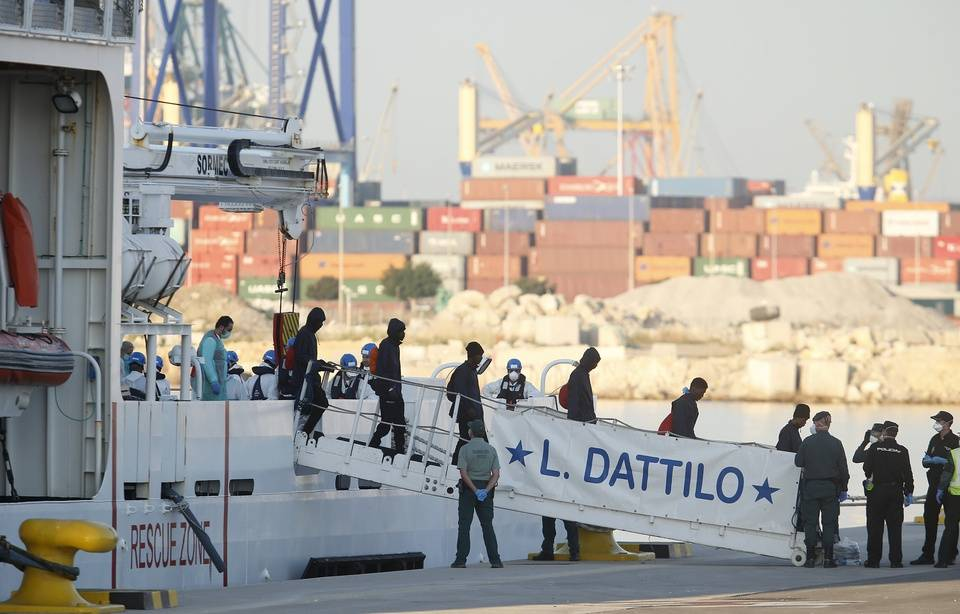 SOCIETE › «Aquarius» : Après une semaine d'errance, les migrants arrivent en Espagne … 20 MINUTES