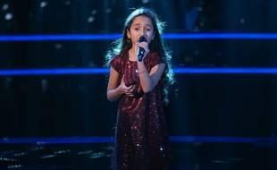 Rebecca, gagnante de la saison 7 de The Voice Kids (ici, lors de l'épreuve des Battles).