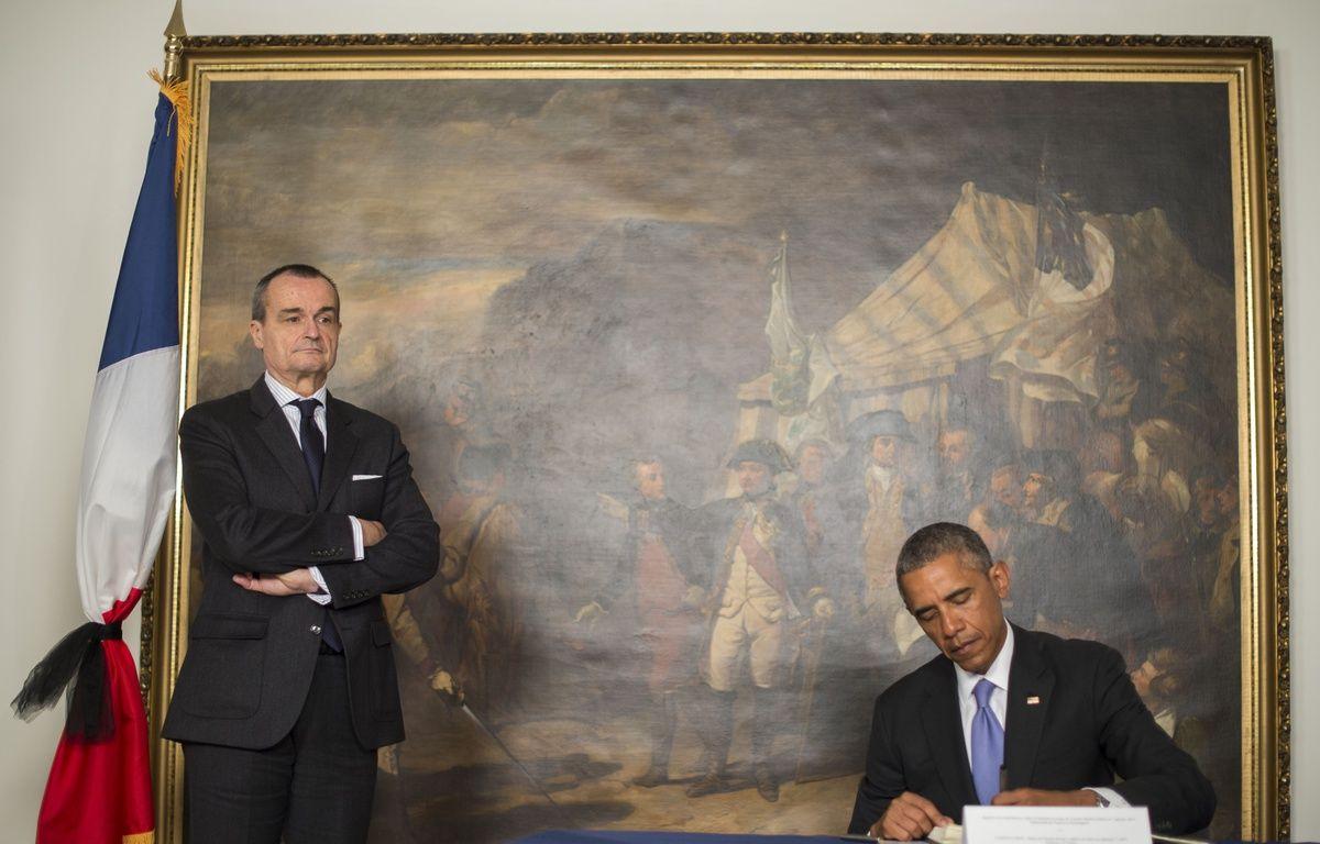 Washington (Etats-Unis), le 8 janvier 2015. Barack Obama rend hommage aux victimes de l'attentat de «Charlie-Hebdo» depuis l'ambassade de France aux Etats-Unis. – JIM WATSON / AFP