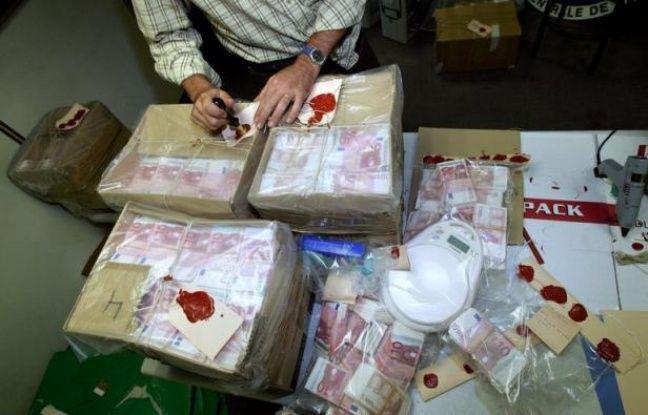 La plus grande fabrique de France de faux billets a été démantelée mardi et mercredi en Seine-et-Marne par l'office spécialisé de la police judiciaire, a-t-on appris jeudi de sources policières.