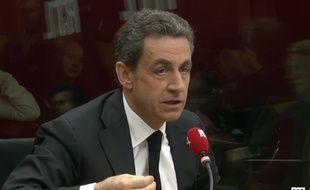 Paris, le 24 mars 2015. Nicolas Sarkozy réagit aux résultats du premier tour des départementales au micro de RTL.