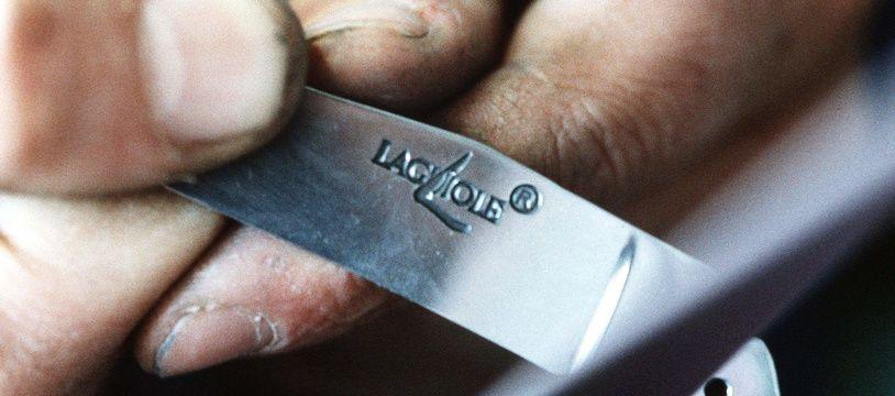 Fabrication d'un couteau Laguiole.