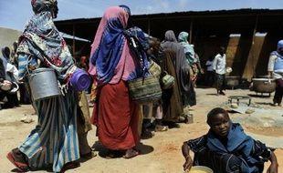 La Somalie n'est désormais plus en état de famine, après six mois d'une crise humanitaire qui a fait plusieurs dizaines de milliers de morts, mais cette amélioration demeure précaire dans ce pays de la Corne de l'Afrique toujours ravagé par la guerre et privé de réel gouvernement, a averti l'ONU.