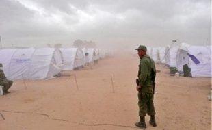 A 9 km de la frontière libyenne, les réfugiés s'entassent, tandis que la tension monte entre les communautés.