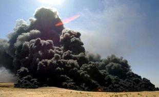 Une explosion survenue dans la nuit de dimanche à lundi sur un oléoduc, dans le sud-est de la Turquie, a interrompu la fourniture de pétrole en provenance d'Irak, faisant porter des soupçons de sabotage sur les rebelles kurdes, ont déclaré lundi des responsables turcs.