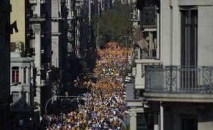"""Sous le thème """"Ca suffit! Retrouvons la sagesse"""", le rassemblement de dimanche est soutenu par plusieurs partis politiques anti-indépendance."""