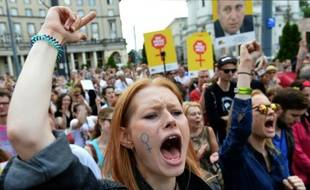 Manifestation contre l'interdiction de l'avortement à Varsovie, en Pologne, le 18 juin 2016