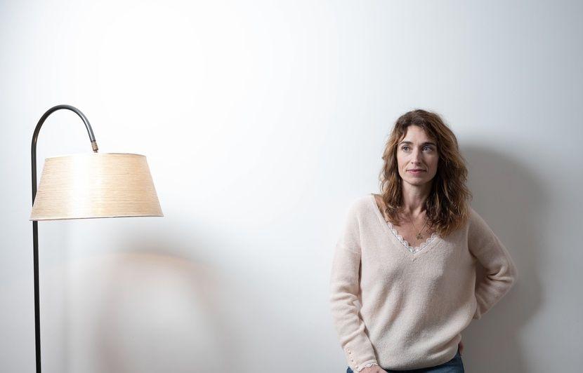 Netflix confie une série sur le milieu du stand up à Fanny Herrero, la créatrice de « Dix pour cent »