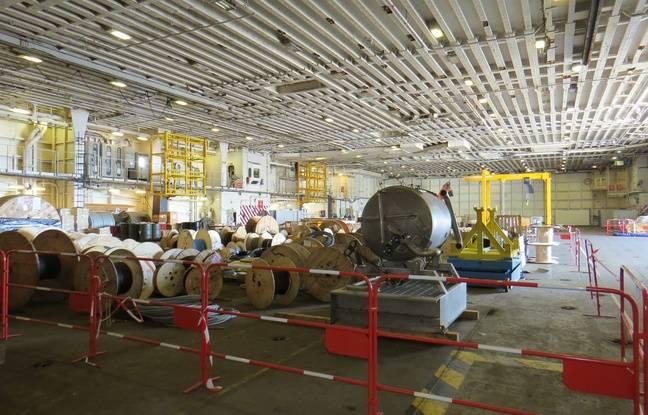 Le hangar du Charles-de-Gaulle en pleine réfection