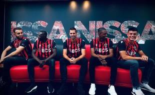 De gauche à droite : Amine Gouiri, Hassane Kamara, Morgan Schneiderlin, Robson Bambu et Flavius Daniliuc, les cinq nouvelles recrues de l'OGC Nice.