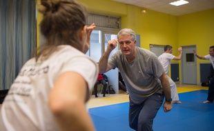 Gilles en plein exercice de capoeira.