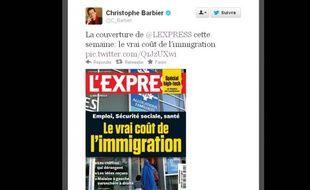 Christophe Barbier, directeur de la rédaction de l'Express, présente la Une de l'hebdomadaire à paraître le 14novembre2012.