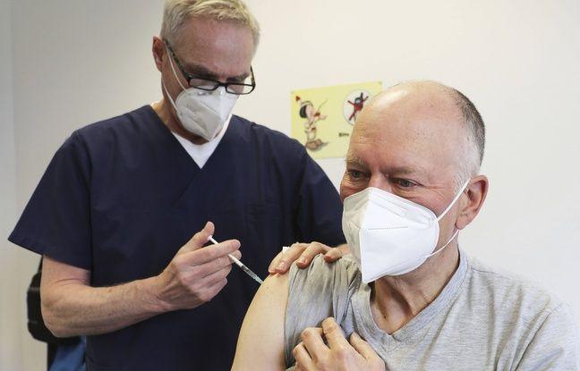 648x415 homme fait inoculer vaccin contre covid 19 astrazeneca rheinbach allemagne 6 avril 2021