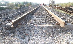 Sur cet axe majeur sur lequel passe 140 trains par jours, dont une centaine de trains de voyageur, la voie est  coupée sur 900m, paralysant l'ensemble du trafic.