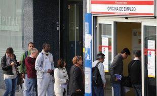Plus d'un quart de la population active en Espagne, soit 25,02%, est désormais au chômage, selon les chiffres publiés vendredi alors que le pays reste plongé dans la récession et soumis à une cure d'austérité historique, sur fond de malaise social grandissant.