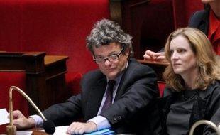 """Le projet de loi sur le Grenelle de l'environnement a été voté mardi en première lecture à l'Assemblée dans une quasi """"union nationale"""" grâce au soutien -inédit depuis le début du quinquennat Sarkozy- des députés PS."""