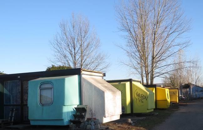 Des hébergements d'urgence ont été crées en lien avec le CCAS dans des tétrodons, ces espaces modulables des années 60.
