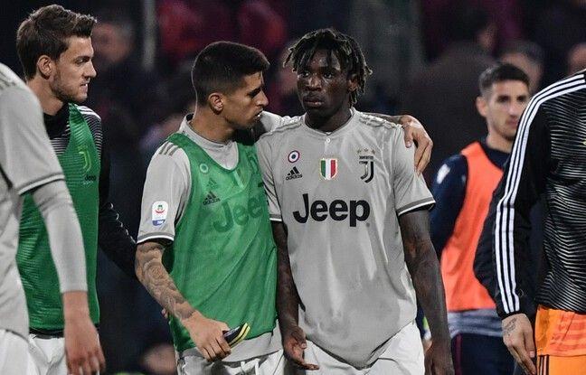 Moise Kean entouré par ses coéquipiers après le fameux match contre Cagliari.