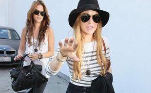 L'actrice Lindsay Lohan à sa sortie d'une boutique de Los Angeles le 15 septembre 2010.