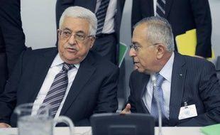 Le président palestinien Mahmoud Abbas pourrait limoger son Premier ministre, a indiqué un membre du Fatah, le mouvement nationaliste que dirige M. Abbas et qui a pour la première fois critiqué ouvertement avec virulence Salam Fayyad.