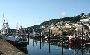 Des bateaux de pêche dans le port de Newlyn en Cornouailles, dans le sud-ouest de l'Angleterre, le 16 juin 2016