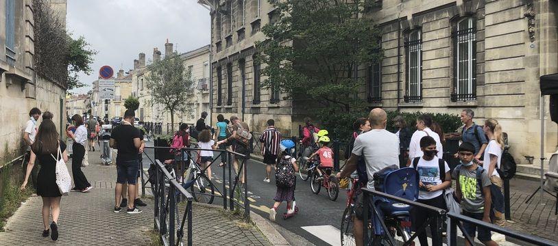 La rue Cazemajor dans le quartier Nansouty-Saint-Genès va devenir piétonne pour permettre aux parents et enfants des écoles alentours de circuler de façon apaisée.