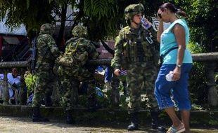 Des soldats colombiens en patrouille à Quibdo, le 17 novembre 2014, où a été enlevé le général Ruben Alzate