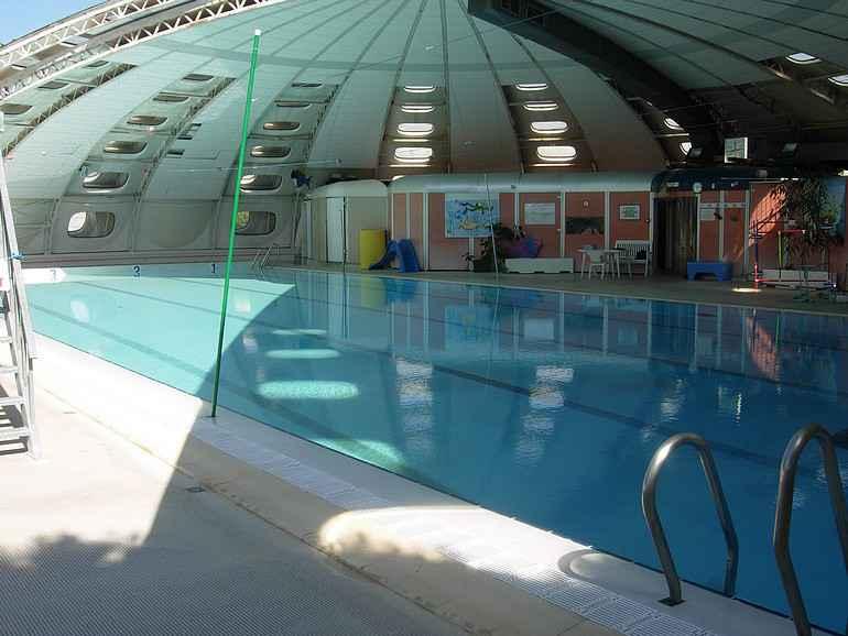 marseille un club de natation se retrouve sans piscine cause d 39 une ligne de t l phone. Black Bedroom Furniture Sets. Home Design Ideas