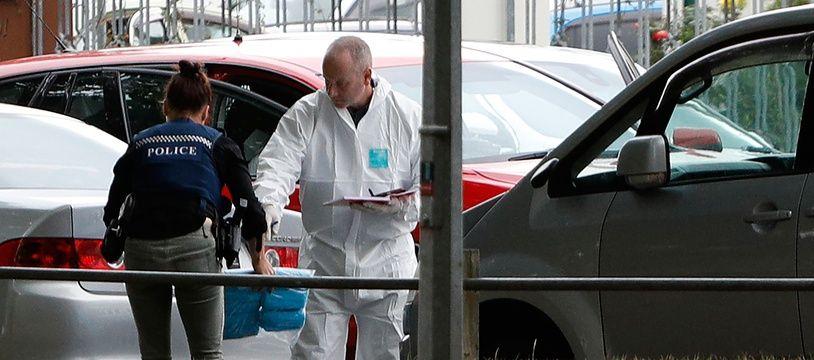 La police sur les lieux de l'attaque de la moquée Masjid al Noor à Christchurch, où deux fusillades ont fait 50 morts, le 15 mars 2019.