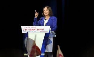 """Ségolène Royal (PS) a jugé mercredi que Nicolas Sarkozy avait """"raté un tournant historique majeur"""" lors de la crise en 2008 en n'exigeant pas que l'Etat entre au capital des banques en contrepartie de son soutien au secteur, et plaidé pour une nationalisation """"partielle"""" si un tel scénario se reproduisait."""