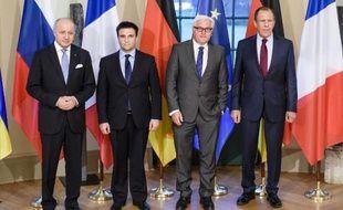 Les ministres de Affaires étrangères français, Laurent Fabius, ukrainien Pavlo Klimkin, allemand Frank-Walter Steinmeier et russe Sergei Lavrov réunis à Berlin pour discuter de l'application des accords de paix de Minsk, le 13 avril 2015