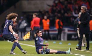 Edinson Cavani fête son but contre Chelsea le 16 février 2016.