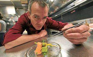 Le chef revendique une première du genre parmi les chefs étoilés du guide Michelin.