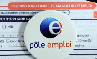 Le logo de Pole emploi sur un formulaire d'inscription.