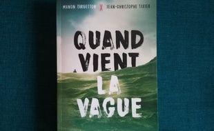 Deux auteurs signent ce roman ado qui se déroule entre Lacanau, Bordeaux et Paris.