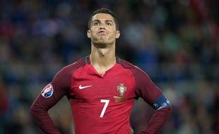 Cristiano Ronaldo lors de Portugal-Islande (1-1), le 14 juin 2016 à Saint-Etienne.